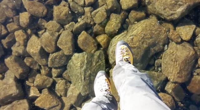 Incrível lago de cristal na Eslováquia