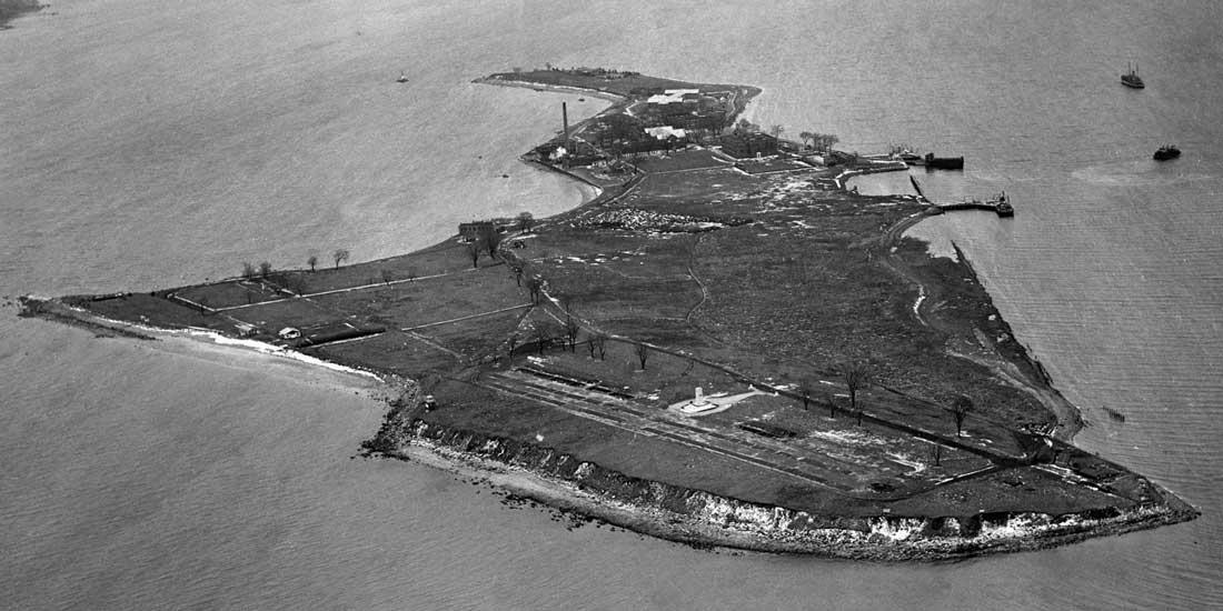 Hart_Island10
