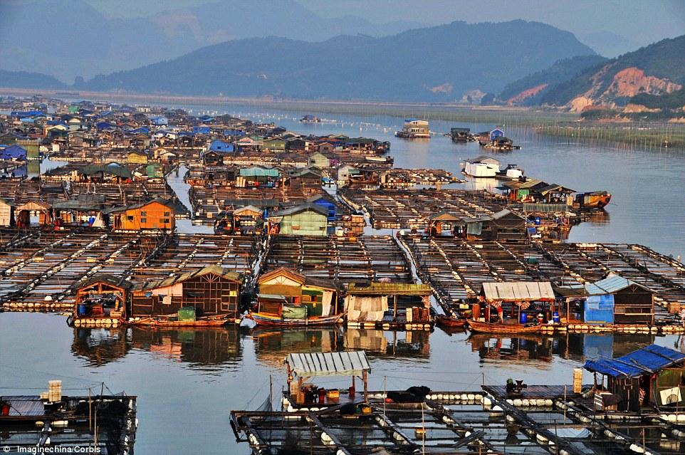 A maior comunidade flutuante do mundo