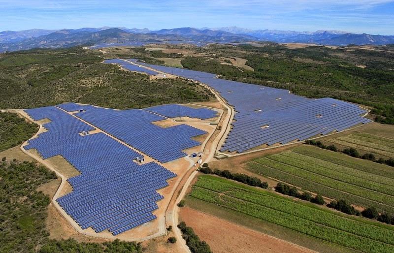 les-mees-solar-farm10