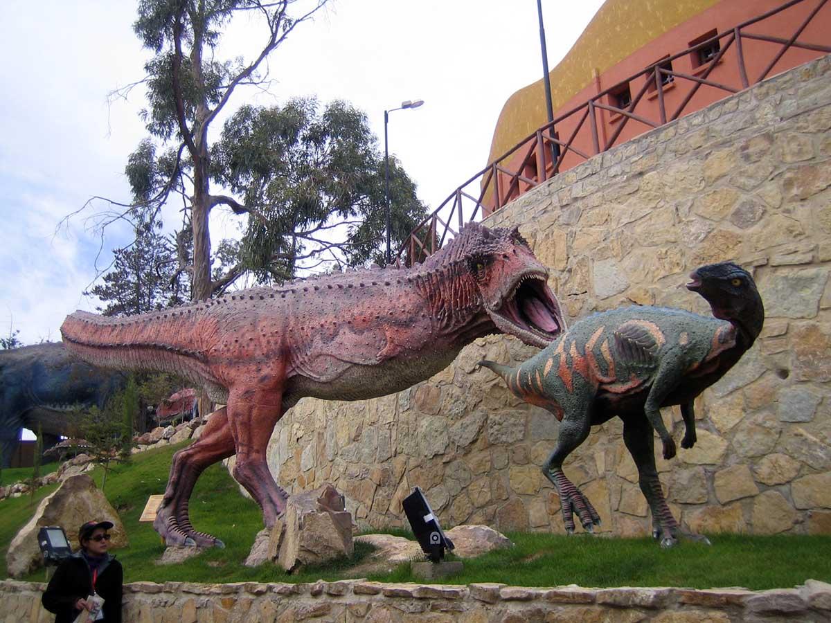 Car Orko, a parede dos dinossauros
