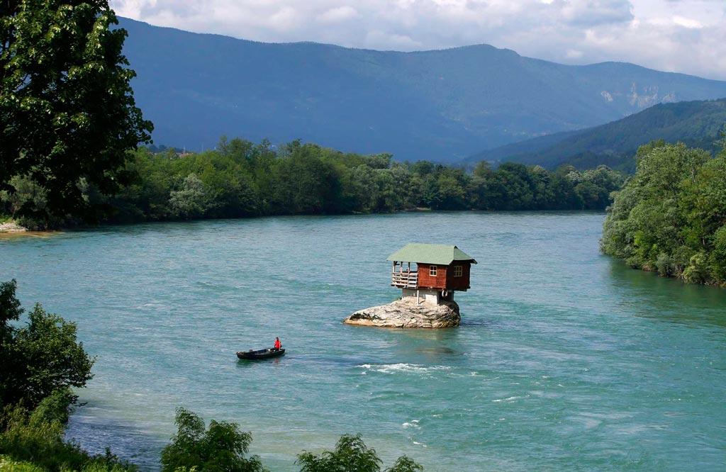 A casa no meio do rio Drina