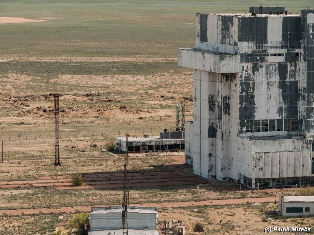 onibus-espacial-abandonado-000a