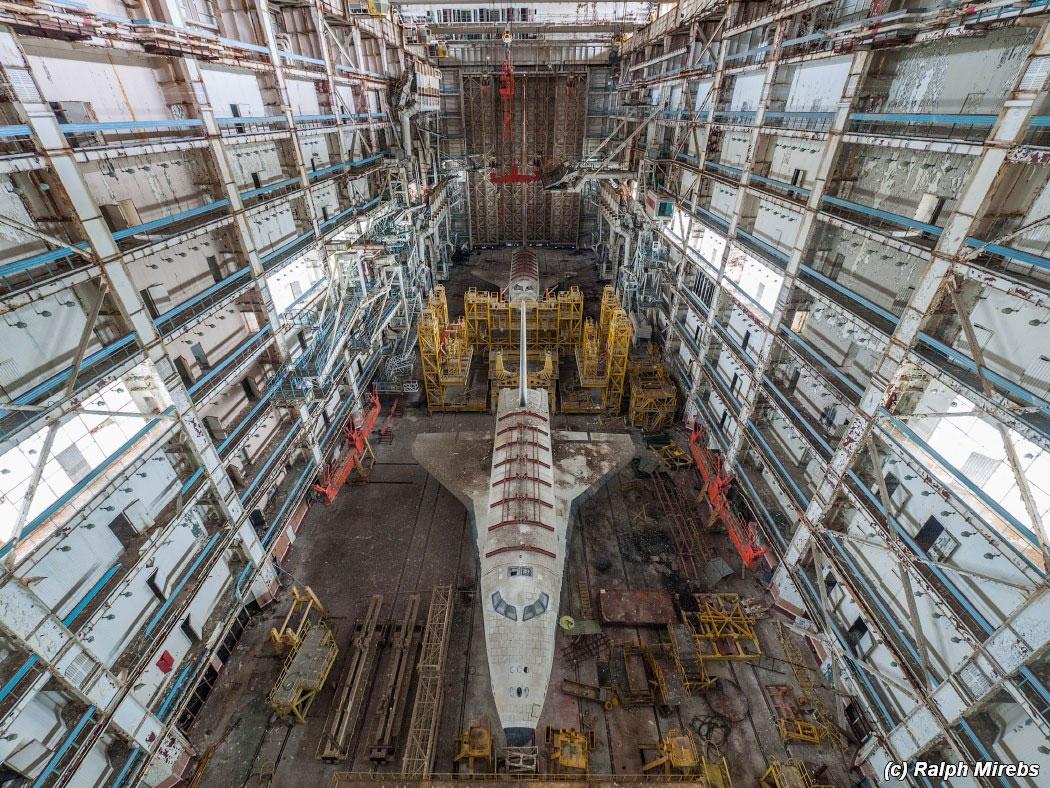 onibus-espacial-abandonado-001