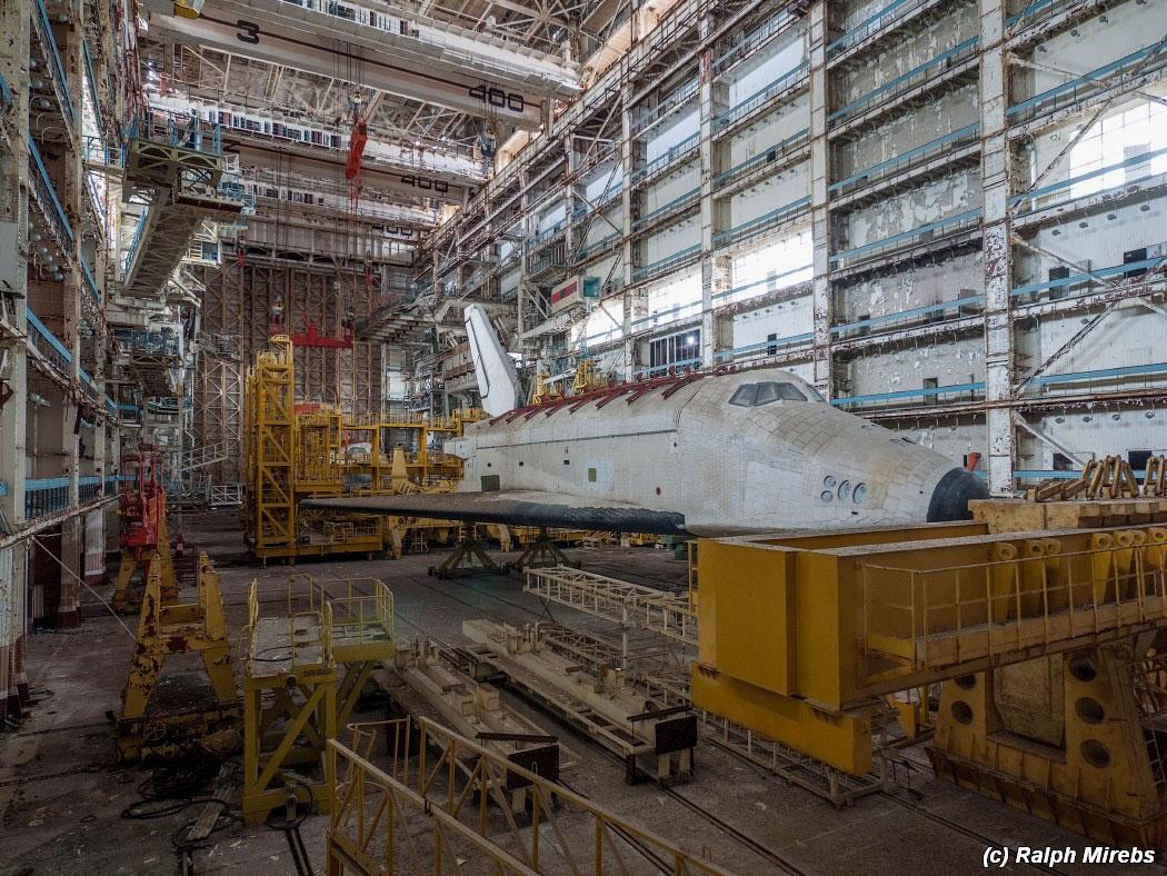 onibus-espacial-abandonado-002