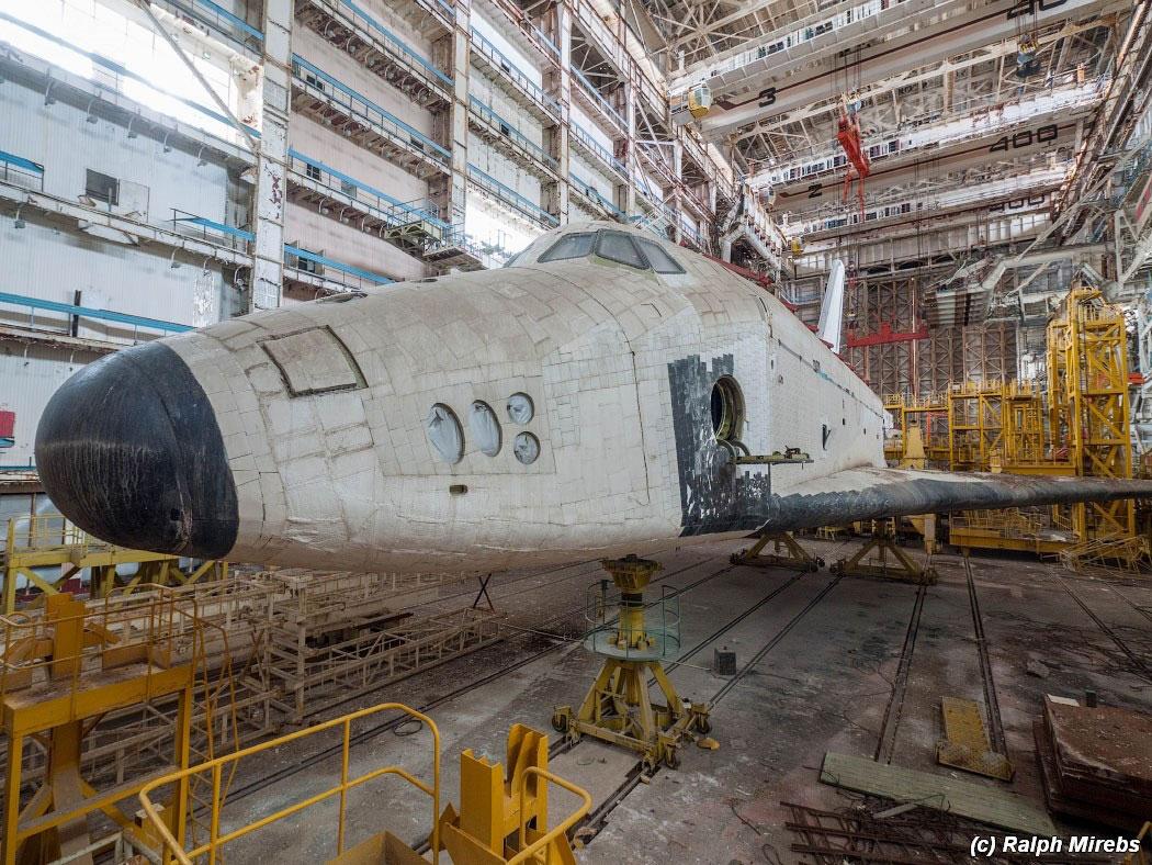 onibus-espacial-abandonado-007