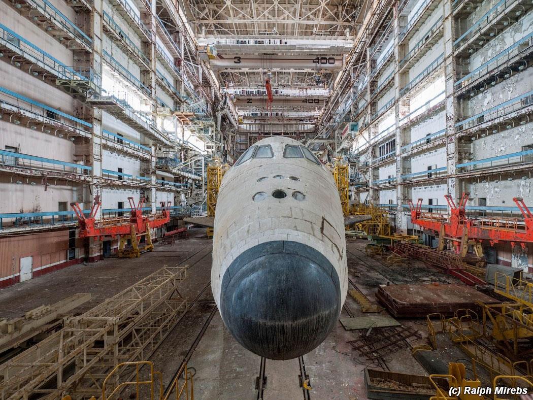 onibus-espacial-abandonado-008