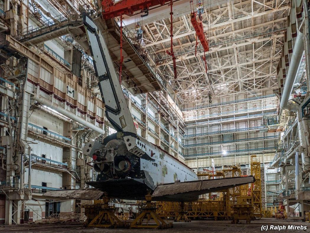 onibus-espacial-abandonado-009