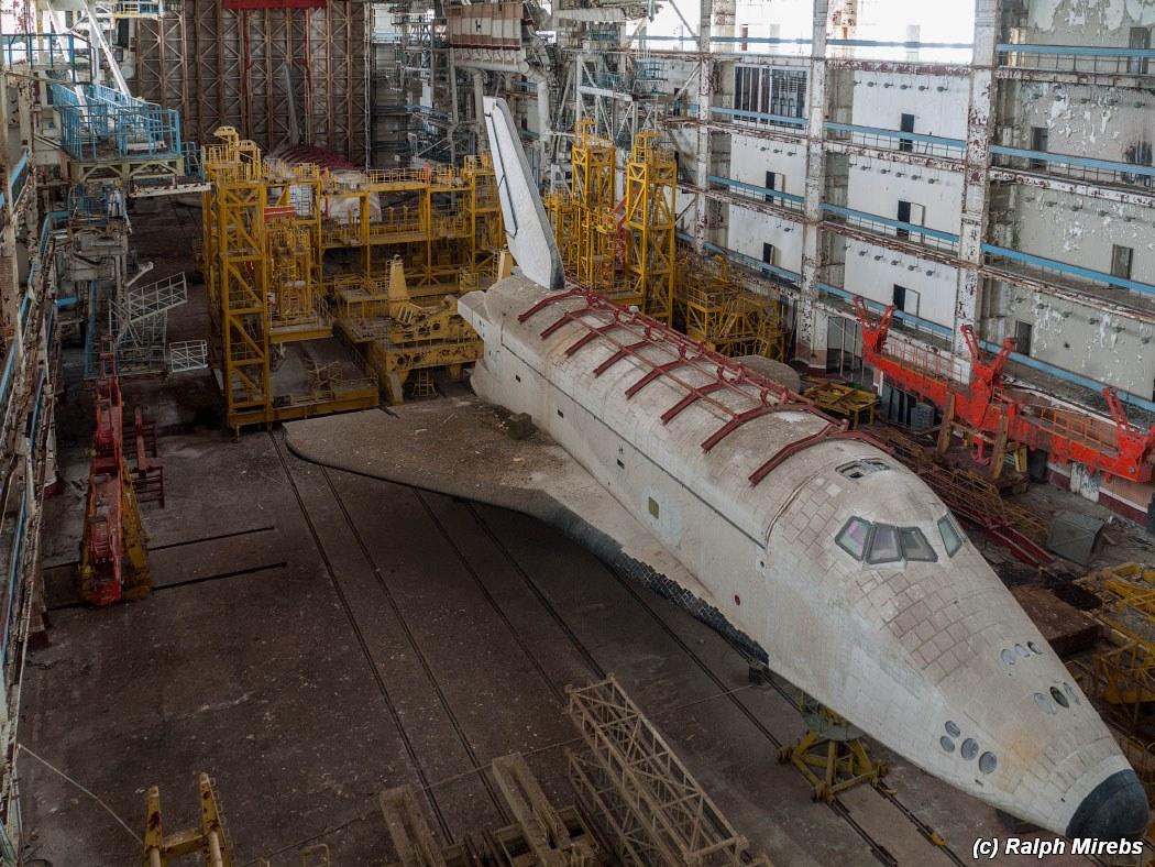 onibus-espacial-abandonado-011