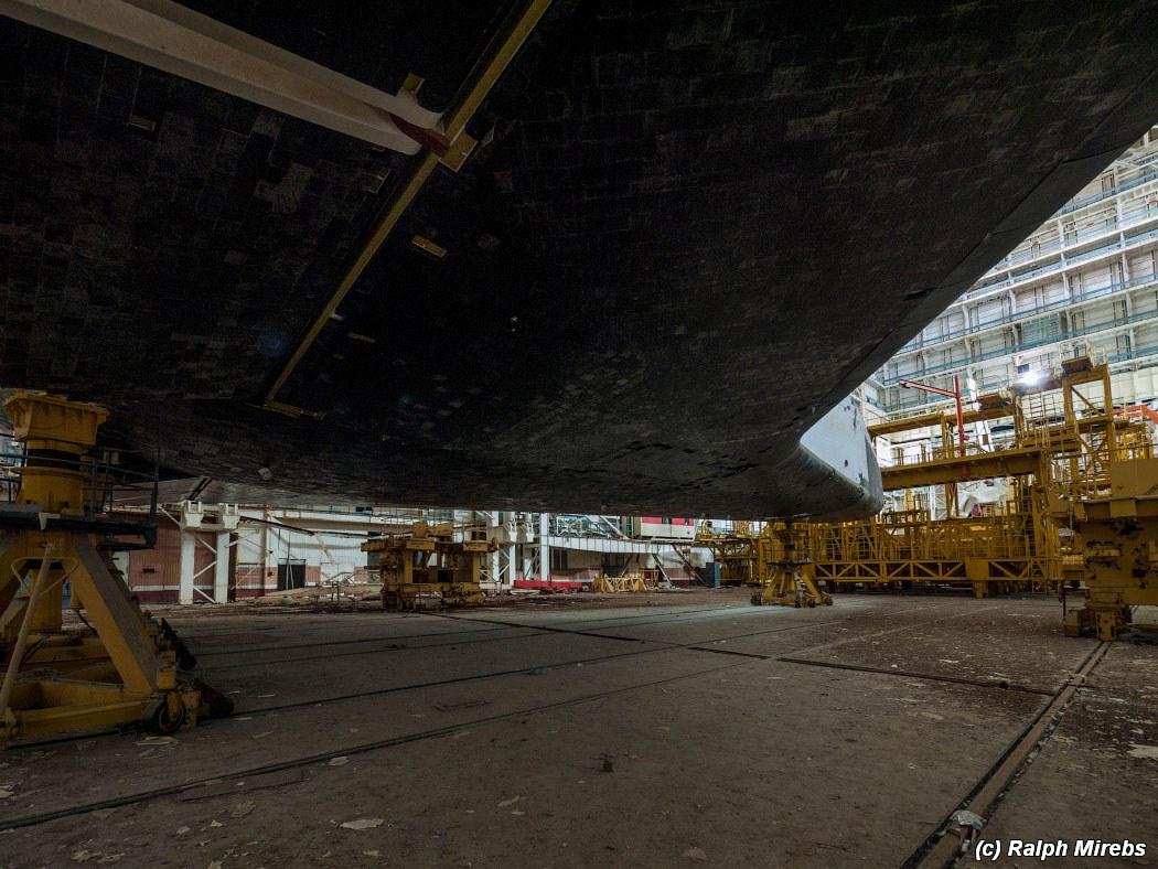 onibus-espacial-abandonado-012