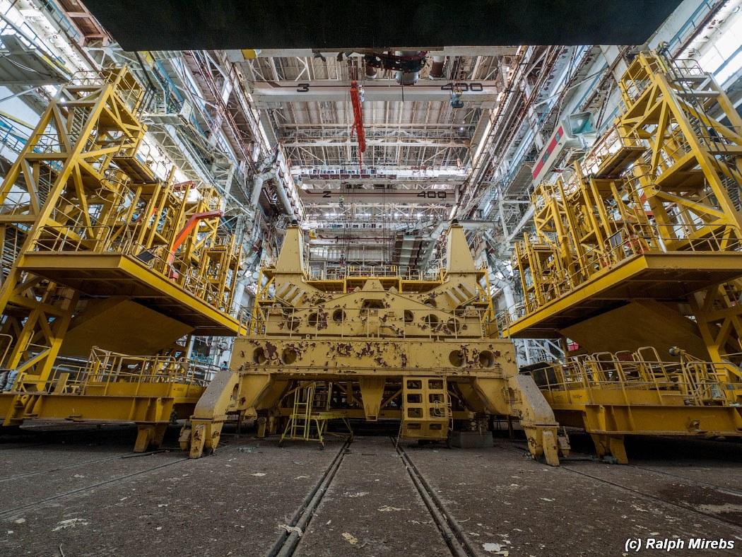 onibus-espacial-abandonado-013
