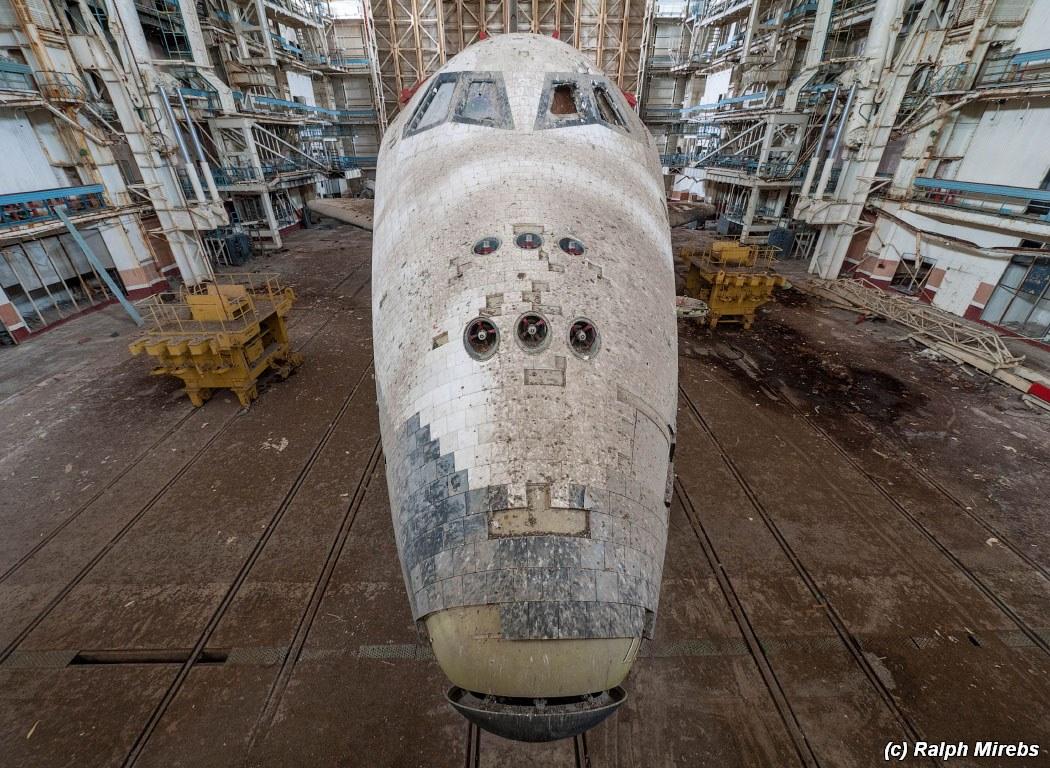 onibus-espacial-abandonado-014