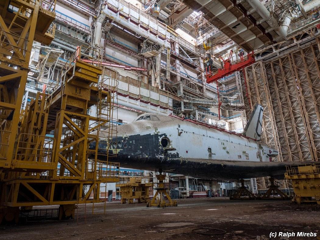 onibus-espacial-abandonado-016