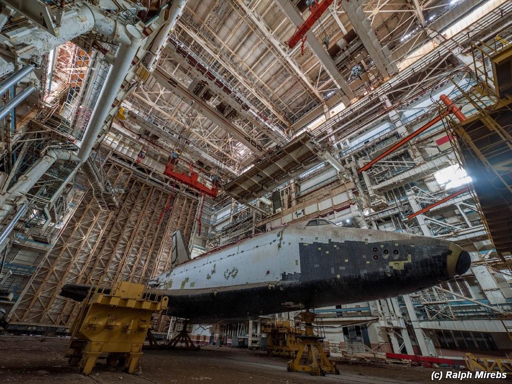 onibus-espacial-abandonado-017