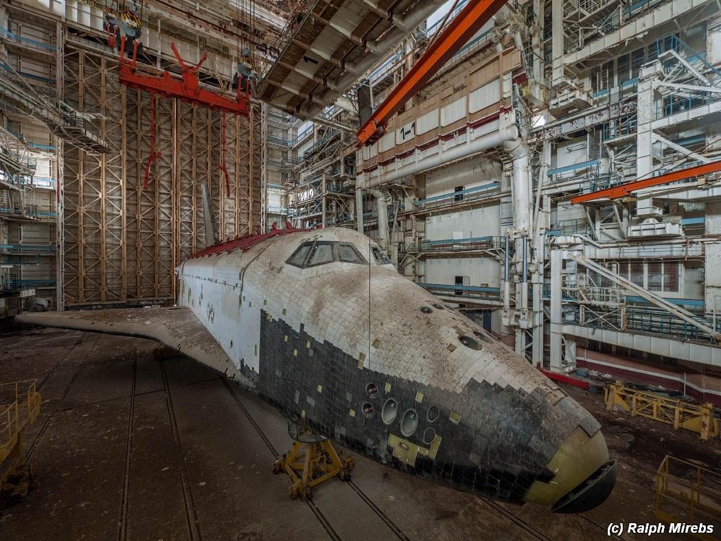 onibus-espacial-abandonado-018