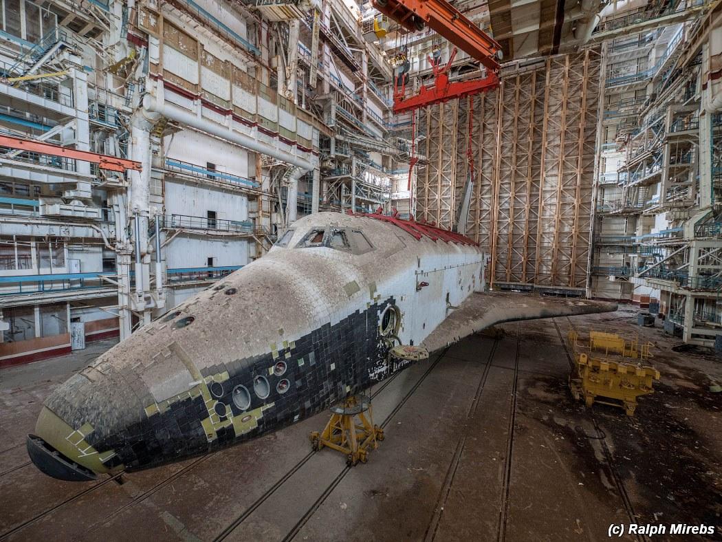 onibus-espacial-abandonado-019
