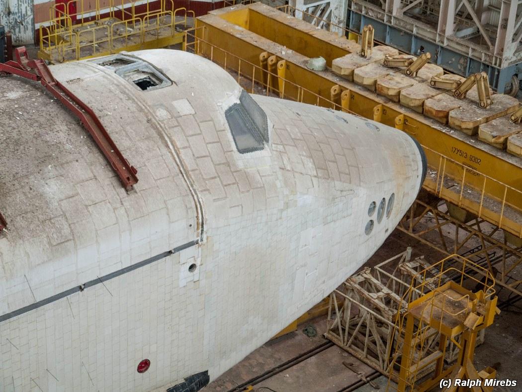 onibus-espacial-abandonado-022