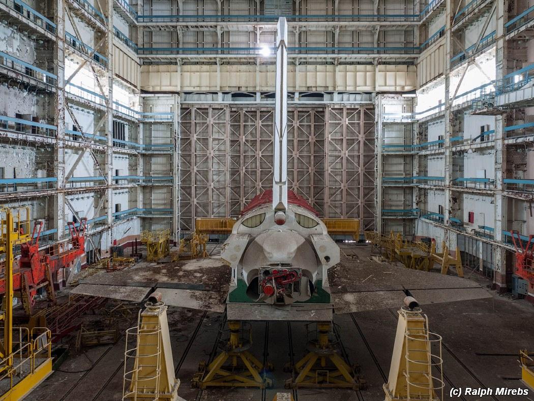 onibus-espacial-abandonado-023