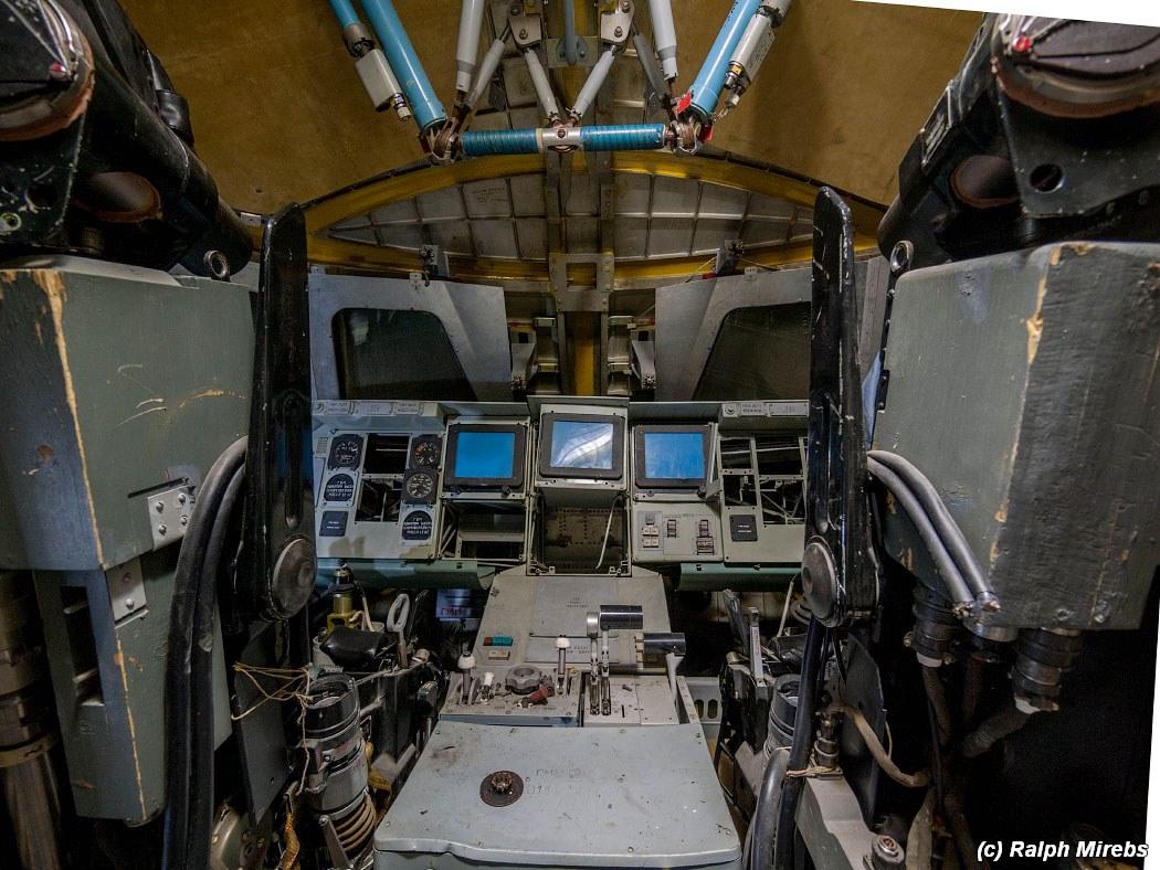 onibus-espacial-abandonado-024