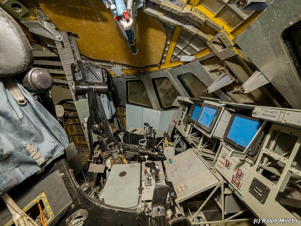 onibus-espacial-abandonado-025