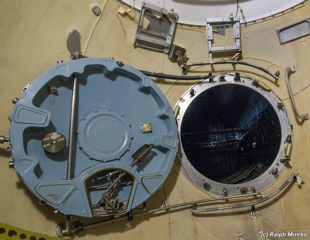 onibus-espacial-abandonado-029
