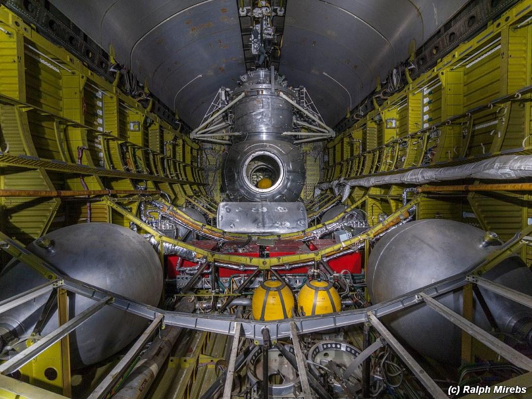 onibus-espacial-abandonado-030