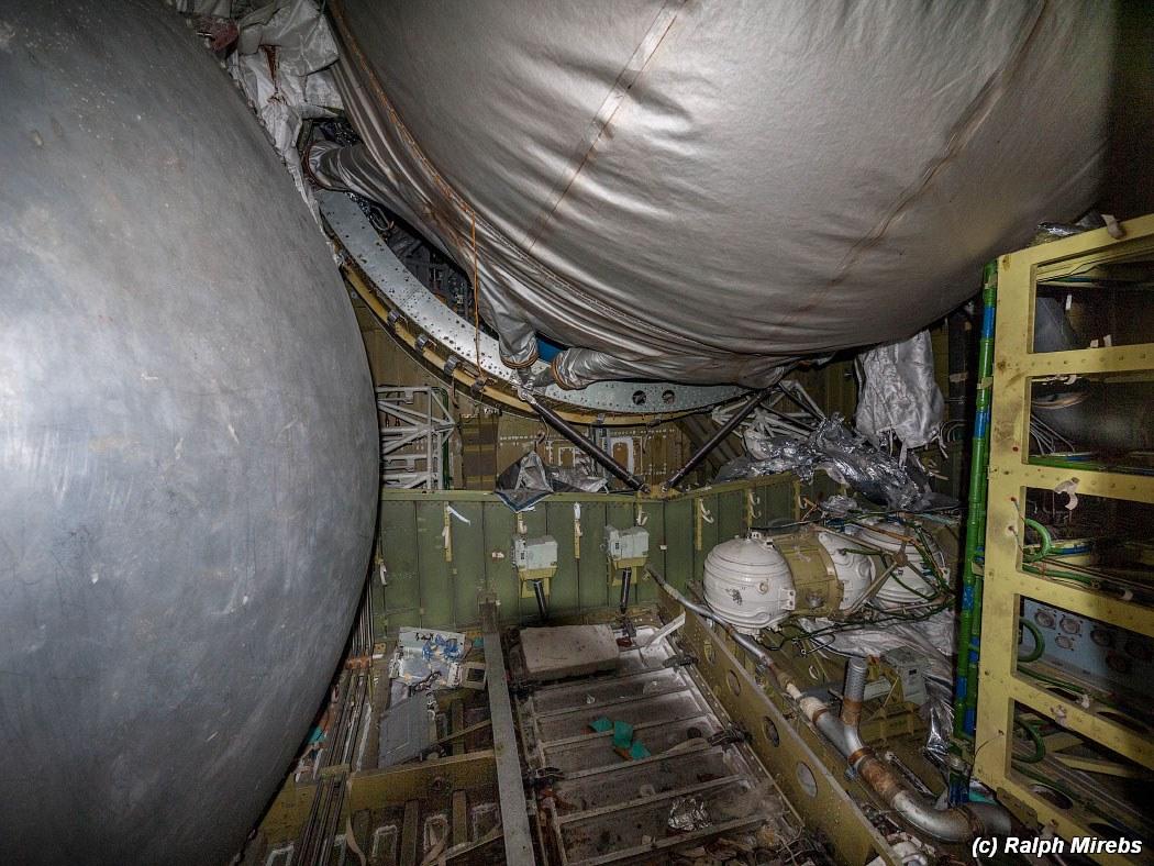 onibus-espacial-abandonado-033
