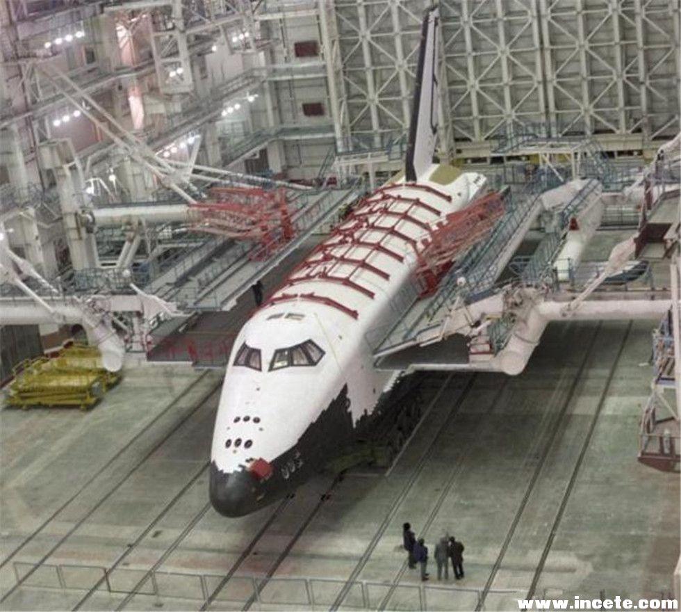 onibus-espacial-abandonado-051