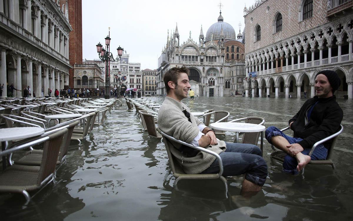 Resultado de imagem para imagens acqua alta em veneza
