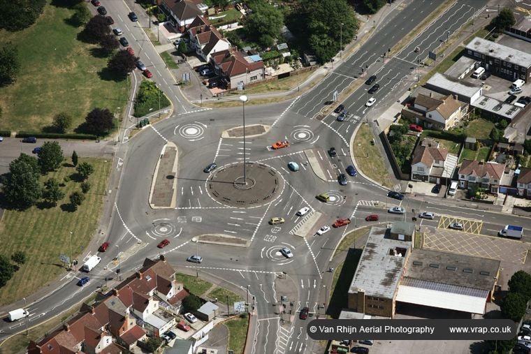 A rotatória The Magic Roundabout em Swindon. | Crédito da foto