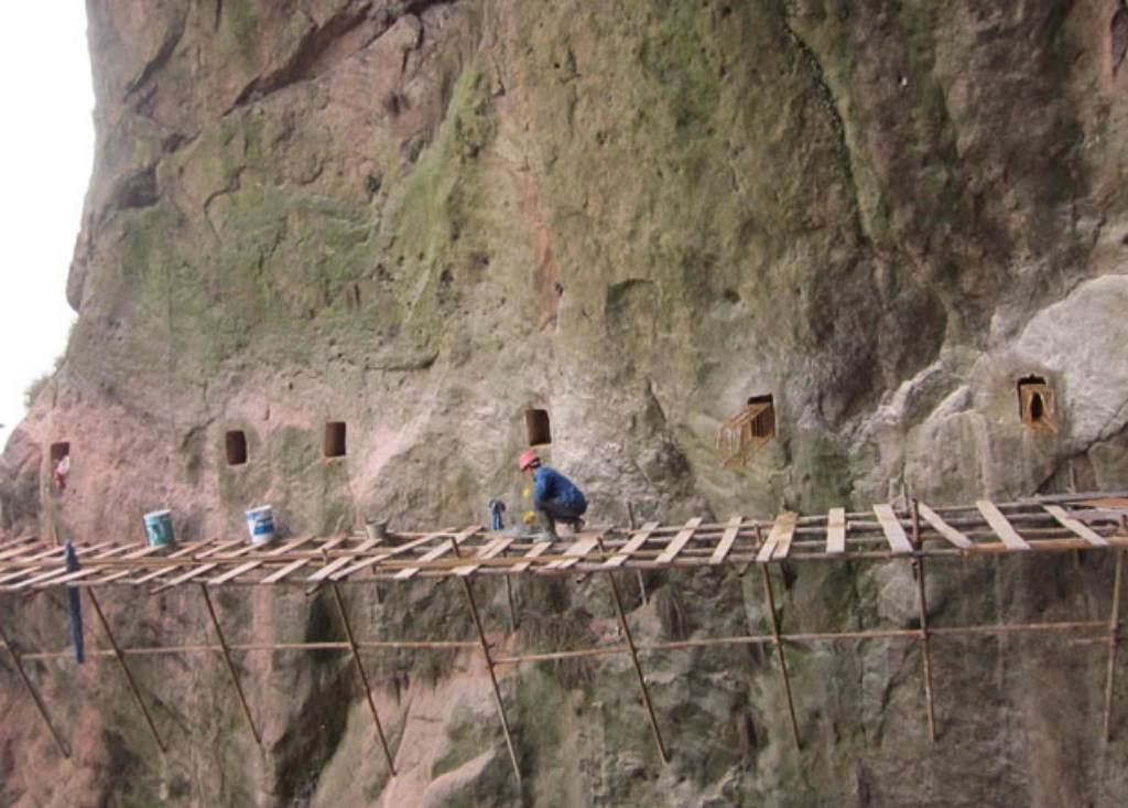 trabalhadores-chineses-em-montanha_13