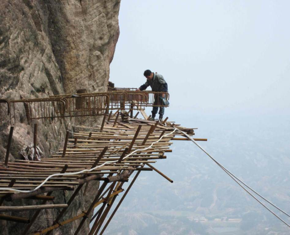 trabalhadores-chineses-em-montanha_14