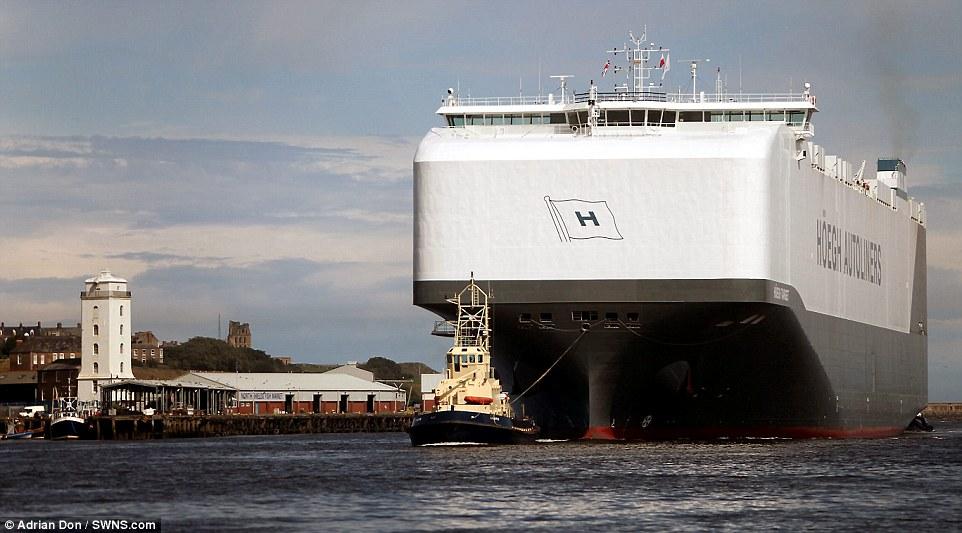 navio-hoegh-autoliners_002