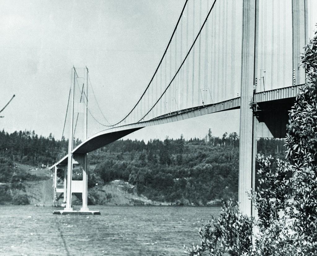 Tacoma-Narrows-bridge-001