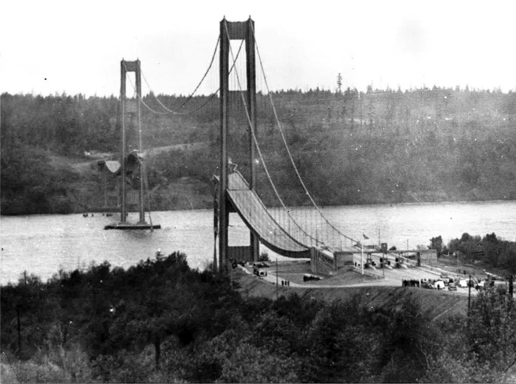 Tacoma-Narrows-bridge-003