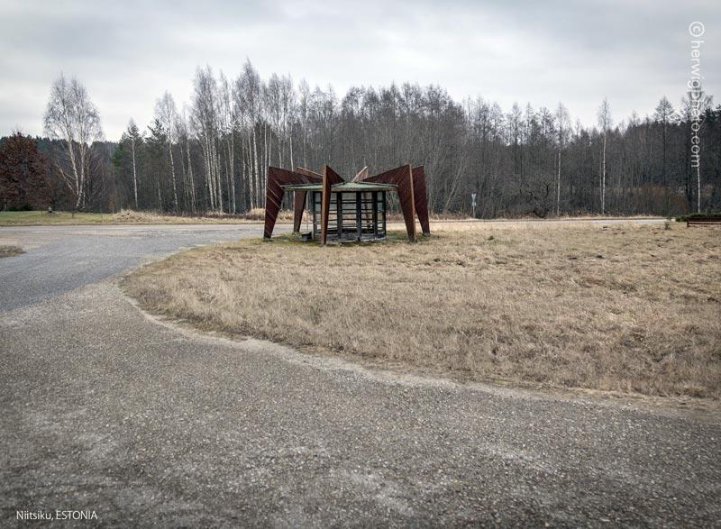 abrigos-de-onibus-antiga-uniao-sovietica_037