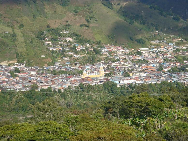 Imagem da cidade de Potosi antes de ser inundada pela água do reservatório Uribante